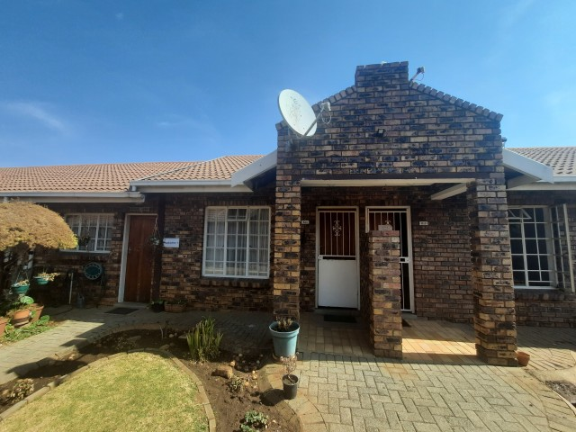 Bachelor units available to rent at Three Rivers Retirement Village, Vereeniging