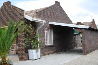 Sonskyn Retirement Village,  E15, Koorsboom Ave, Protea Park, Rustenburg